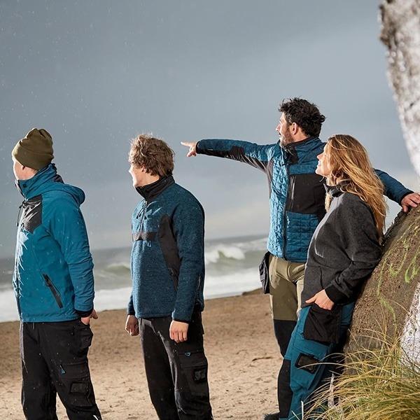 Veste d'extérieur bleue et noire de profil | MASCOT Advanced