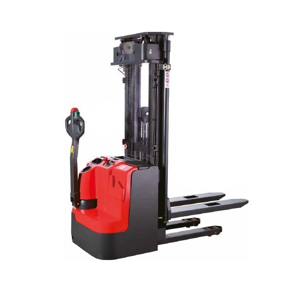 Gerbeur électrique à conducteur accompagnant adaptée à la plupart des opérations de gerbage